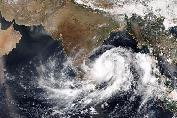 Clouds loom ahead of cyclone in Visakhapatnam
